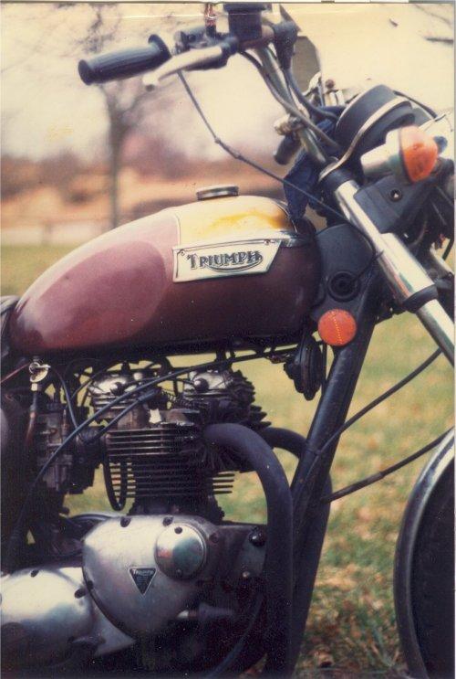 Triumph Bonneville T140E.